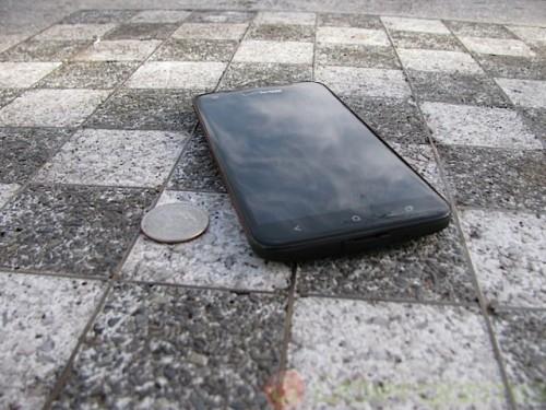 HTC DROID DNA дебютировал в США
