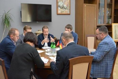 в Черновцах состоялась встреча мэра города Алексея Каспрука с Михаэлем Энгелем