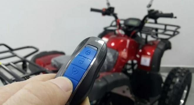 COMMAN XT-N 125 красного цвета